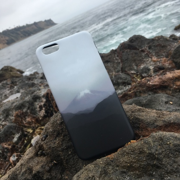 Aesthetic iPhone 6s case, mountain mist